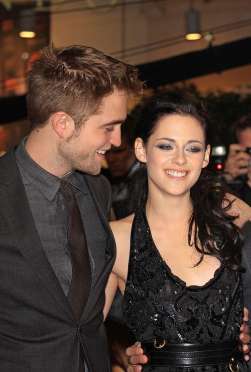 Robert Pattinson, Kristen Stewart, Miley Cyrus, Hayden Panettiere - Robert Pattinson y Kristen Stewart se pasaron de copas
